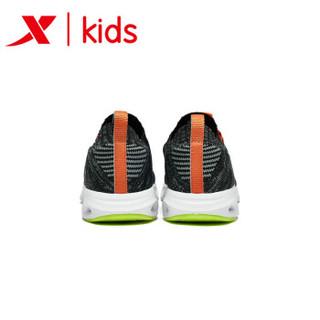 特步童鞋 春季新款男童运动鞋中大童减震旋科技男跑鞋 681115119165 黑桔 38