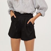 H&M HM0653666 女士高腰花苞短裤