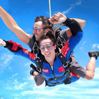 50秒自由落体,失重体验!天津 3000米跳伞