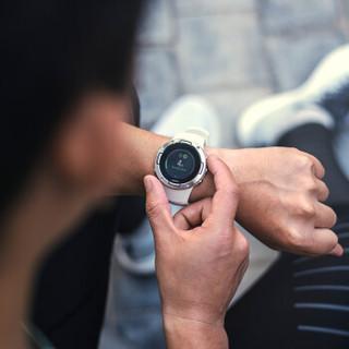 SUUNTO 颂拓 5 SS050304000 多项专业运动GPS四星导航智能运动腕表 (精钢白、硅胶)