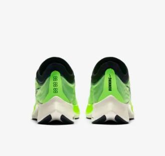 NIKE 耐克 Zoom Fly 3 AT8240 男子跑步鞋 黑白 40