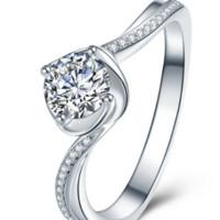 佐卡伊 白18k金钻戒四爪扭臂钻戒女显钻款钻石戒指捧花 共44分 H/SI  W06592