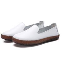 CARTELO 卡帝乐鳄鱼 休闲鞋女士套脚生胶底软面皮时尚英伦风百搭复古深口 KDLYP8001 白色 36