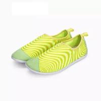 InteRight 休闲鞋 女士舒适平底 防泼水 排水排汗 便鞋 登山鞋 黃色 36