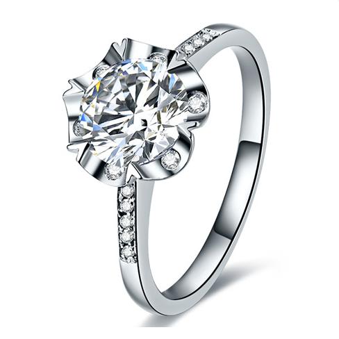 鸣钻国际 绽放 1克拉钻戒女 PT950铂金花朵造型白金钻石戒指结婚求婚女戒 情侣对戒女款 12号