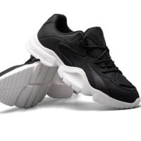 YEARCON 意尔康 男休闲潮流时尚透气轻便户外运动鞋 E51901666 玛瑙黑/雪白 42