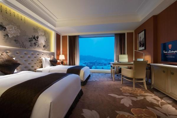 昆山托尼洛兰 博基尼酒店1晚+早餐(可选蒙特利亲子乐园/水之梦乐园)