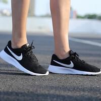 NIKE/耐克 中性男女款奥利奥网面透气舒适轻便软底运动休闲鞋