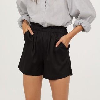 限尺码 : H&M HM0653666 女士高腰花苞短裤