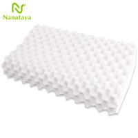 Nanataya 泰国天然乳胶枕头 颈椎枕颗粒按摩枕芯 成人单人橡胶记忆枕非皇家 高低颗粒按摩枕