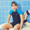 LI-NING 李宁 儿童泳衣套装男童连体短袖泳装冲浪服带泳帽  假日蓝标准黑 150      YSLP005 (假日蓝标准黑、150、聚酯纤维、连体)
