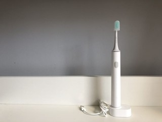 1、小米的电动牙刷通过连接App,能实时