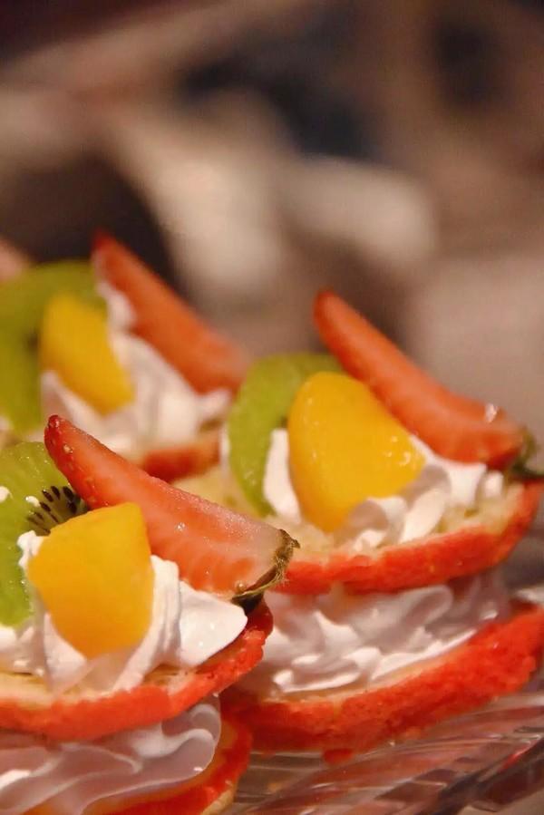畅吃香辣蟹,招牌烤羊腿!南京紫金山庄香榭厅自助晚餐