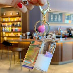 抖音网红漂浮牛奶猪液体挂件钥匙扣链生日礼物 女生送闺蜜流沙漂流瓶入油小猪包包挂件 漂浮牛奶猪-紫色 #53
