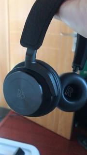 颜值很高的一款耳机,金属感光泽非常大气高