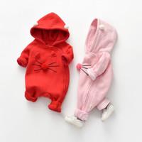 女宝宝可爱连体哈衣秋季红色粉色满月生日