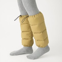 前有日本萌妹雪天露腿,后有養生達人著羽絨襪套