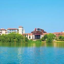 湖光山色里的深氧酒店!5分钟直达湿地公园!湖州皇冠假日酒店2晚套餐