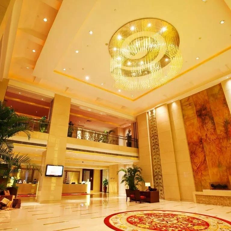 泡汤赏红叶,周末元旦不加价!南京开元大酒店1晚+温泉票