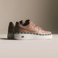 NIKE 耐克 Air Force 1 '07 SE PRM 女子休闲运动鞋