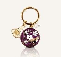 中国国家博物馆 02163452 杏林春燕钥匙扣