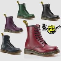 黑五全球购:Shoes.com 精选 Dr. Martens 马丁靴专场额外7折