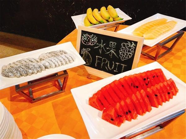 广州 中国市长大厦逸香阁西餐厅海鲜自助小火锅