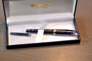 这款钢笔使用起来绝对是代表日本的钢笔的风