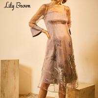 Lily Brown2019春夏新品 仙女薄纱刺绣吊带多层连衣裙LWFO191084