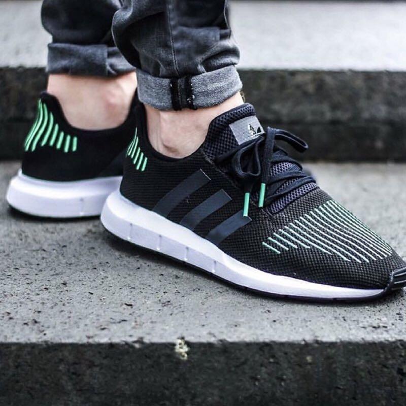 adidas 阿迪达斯 SWIFT RUN 男女款跑步鞋