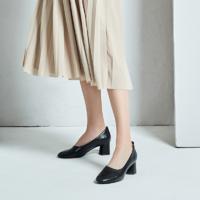 女式羊皮圆头粗跟奶奶鞋