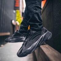 adidas 阿迪达斯 YEEZY BOOST 700 V2 FU6684 男女款运动鞋