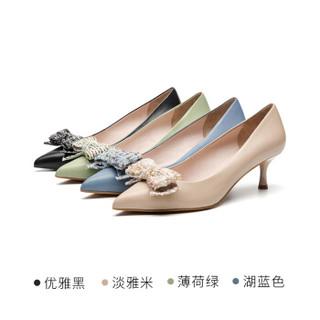 莱尔斯丹  2019时尚尖头浅口蝴蝶结猫跟女单鞋AT53205 深米色 37