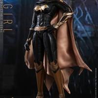 Hot Toys《蝙蝠侠:阿卡姆骑士》蝙蝠女1:6 珍藏人偶