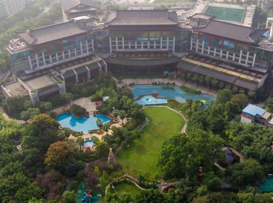 桂林香格里拉大酒店 行政阳台山景大床房1晚 含早餐+主厨推荐双人套餐