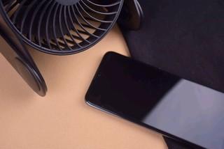 荣耀10青春版游戏手机,吃鸡炫酷很速度