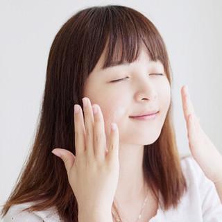 小迷糊 柔皙焕彩洁面乳 125g