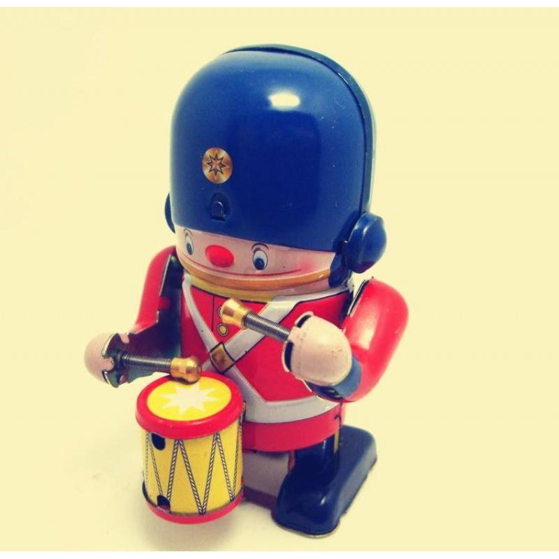 小小卫兵敲鼓玩具士兵敲锣打鼓怀旧发条铁皮玩具儿童80后复古机器