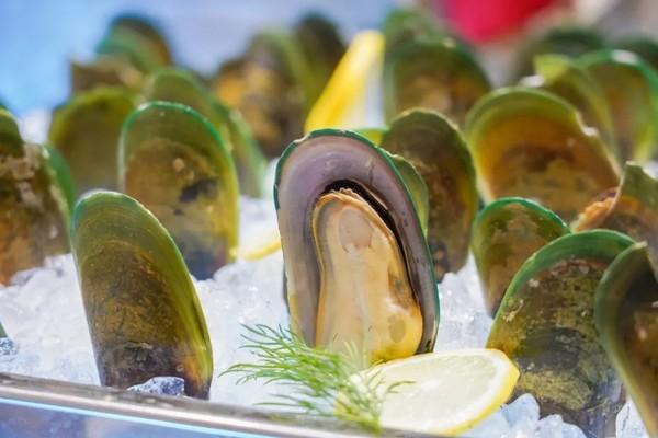 7种口味小龙虾畅吃+波龙生蚝、惠灵顿牛排轮番刷!国家会展中心上海洲际酒店小龙虾主题自助晚餐