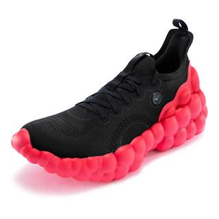 密集恐惧症慎点!看到这双跑鞋的造型我震惊了!