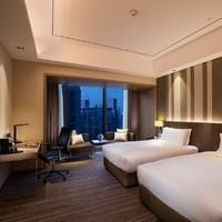 重庆江北希尔顿逸林酒店豪华客房2晚(战斧牛排套餐+延迟退房)