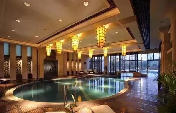 森林覆盖率超90%,负氧离子是市区7倍!杭州陆羽君澜度假酒店 标准房2晚(含早餐)