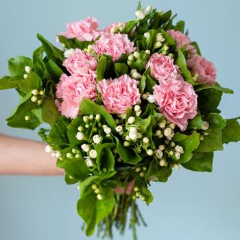亿亩花田 鲜花速递 30-40支茉莉花+10支粉色单头康乃馨