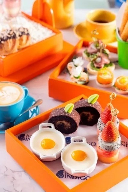 外滩巨美露台酒店!上海外滩英迪格酒店双人晚餐套餐/下午茶+和牛月饼套餐