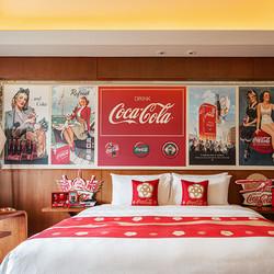 可口可乐联名!昆明华邑酒店 主题房1晚 含早餐+晚安甜品+茶点