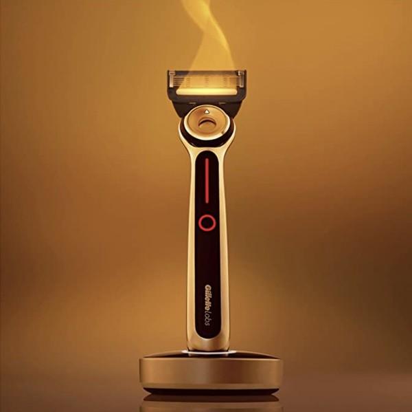 历史低价、中亚Prime会员:GilletteLabs 吉列 热感男士剃须入门套装(1刀架+2刀头+充电器)