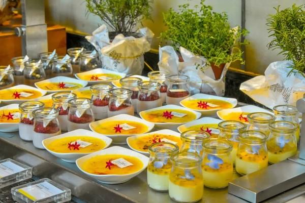 牛排、龙虾、三文鱼吃起来!上海威斯汀大饭店 自助午餐