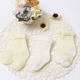 Bornbay 贝贝怡 204P2299 婴儿保暖棉袜子三双装 淡黄 3-12个月