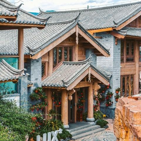 游玉龙雪山!丽江丽世酒店 尊尚客房2晚(含早餐+双人云龙雪山景区套票)
