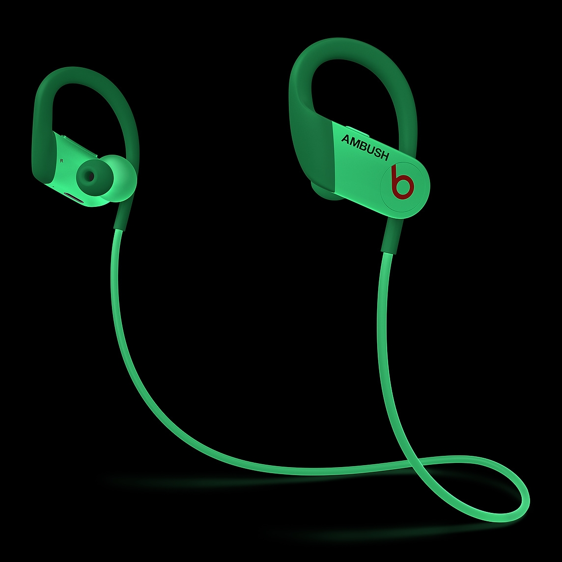 新品发售 : Beats Powerbeats 4 入耳式耳机 AMBUSH特别版
